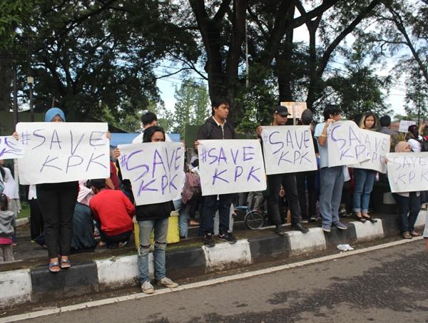 Aksi Peduli terhadap kasus yang melanda KPK, Minggu, 25 Januari 2015 (Elia Nurindah Sari/JUMPAONLINE)